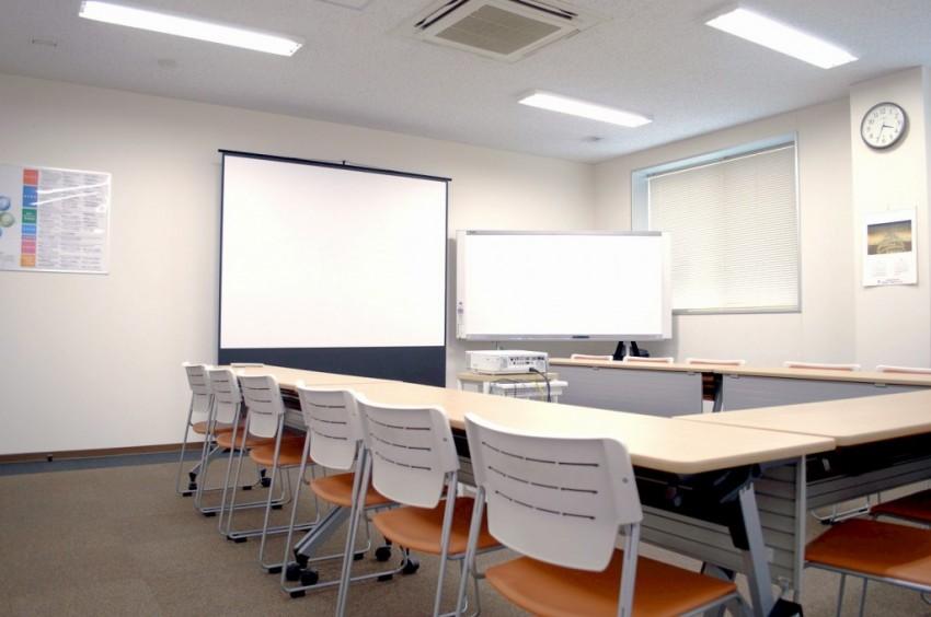 最大60名収容可能な会議室です